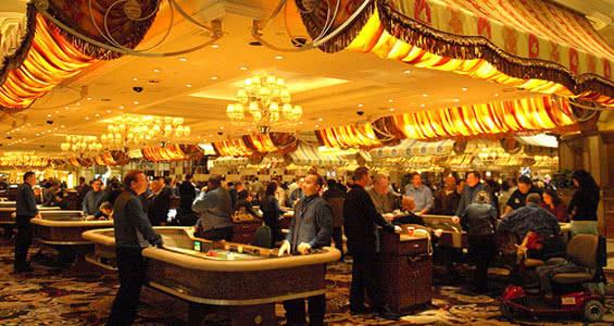 Шикарный целла игровых залов казино Белладжио во Лас-Вегасе